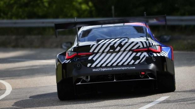 BMW испытавает гоночную M4