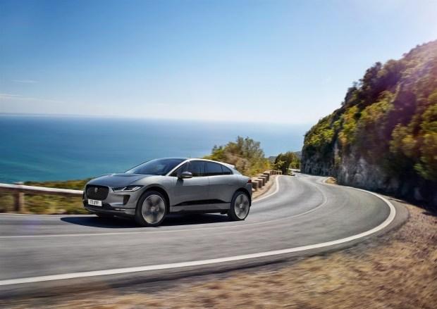 Усовершенствованный Jaguar I-pace: новые технологии и ускоренная зарядка