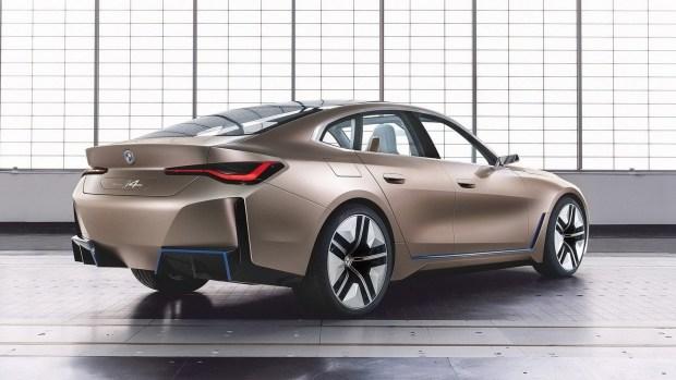 Джойстики вместо руля: новый путь BMW
