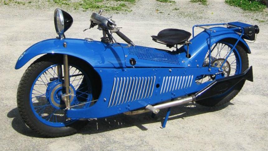 Инженер построил мотоцикл по 100-летним чертежам