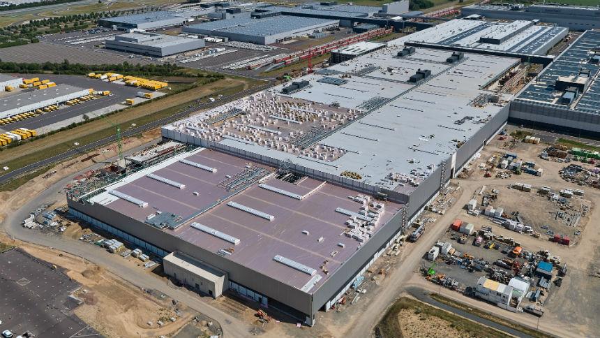 Porsche построил отдельный завод для Macan