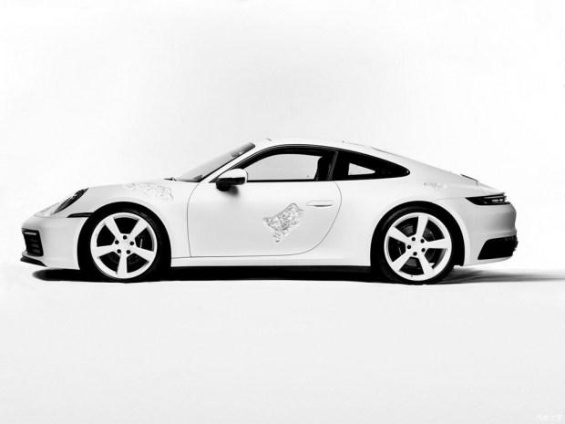 Новый Porsche 911 стал жертвой исскуства