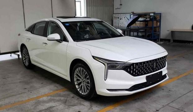 Новый FAW B70: уже не Mazda, но еще не Cadillac