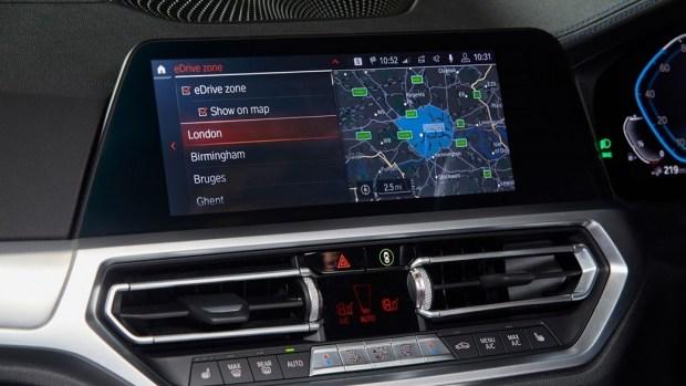 Гибриды BMW будут принудительно отключать ДВС