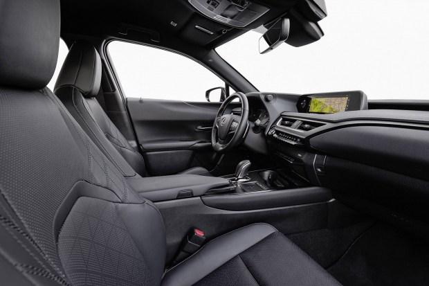 Новые подробности об электрическом Lexus UX 300e