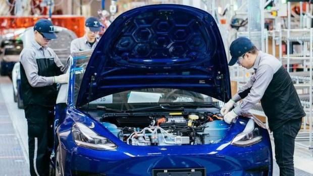 Tesla набирает персонал для запуска новой модели