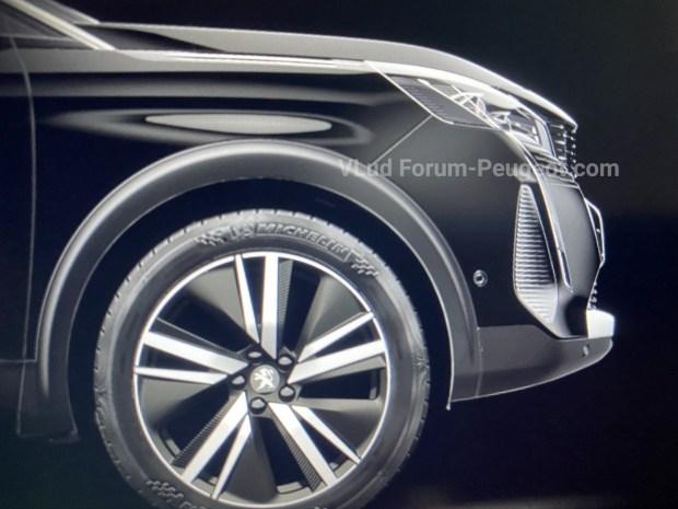 Стала известна дата дебюта обновленного кроссовера Peugeot 3008