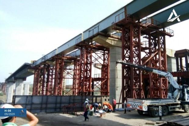 Запорожский мост потихоньку строится (фото)