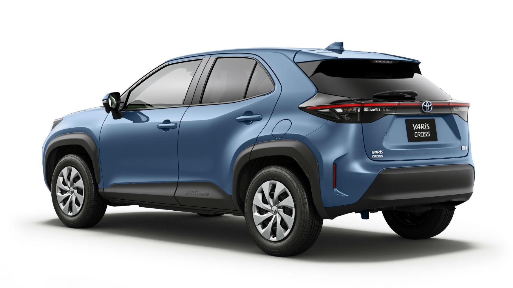 Toyota начала продажи нового компакт-кросса