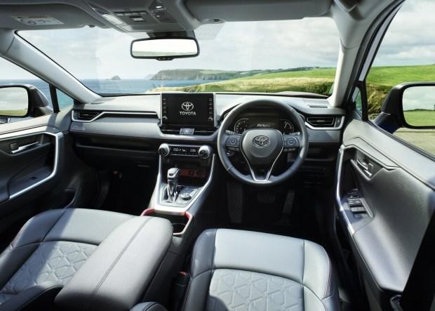 Toyota RAV4 стала более «внедорожной»
