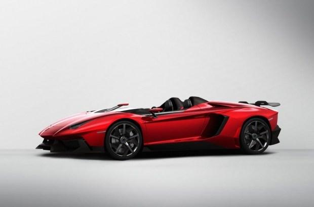 Lamborghini вывела на тесты прощальний Aventador?