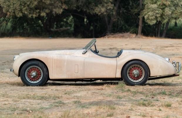 66-летний Jaguar прямиком из сарая
