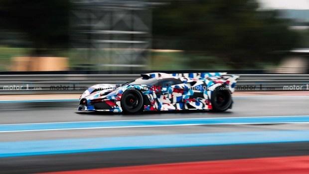 1600 л.с. на треке: новый гиперкар Bugatti