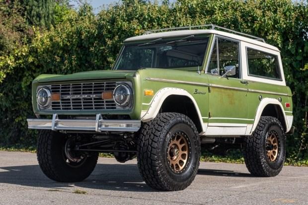 В продаже Ford Bronco с мотором V8
