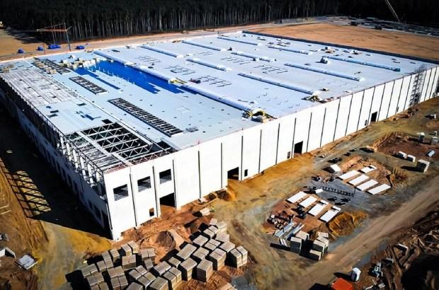 Tesla оштрафовали на миллионы евро за неправильную утилизацию батарей