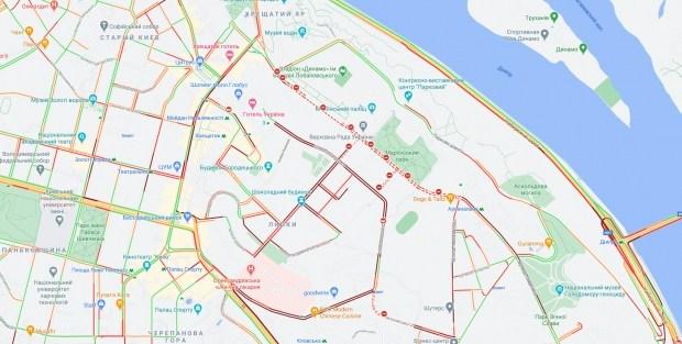 В центре Киева евробляхеры перекрыли движение