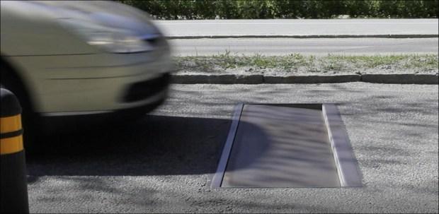 В Швеции скорость на дорогах снижают «умные лежачие полицейские» и цветочные клумбы