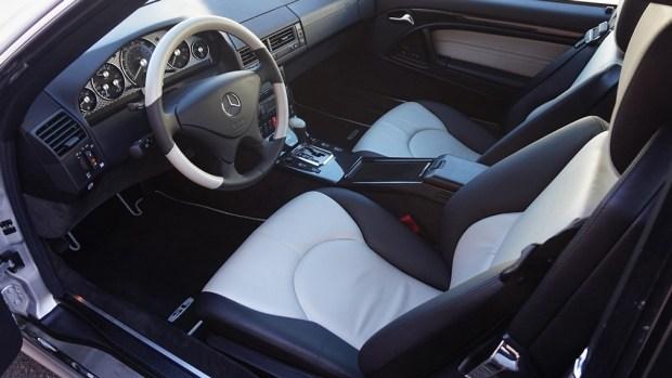 18-летний девственник: на аукционе продали Mercedes-Benz SL 500 без единой регистрации