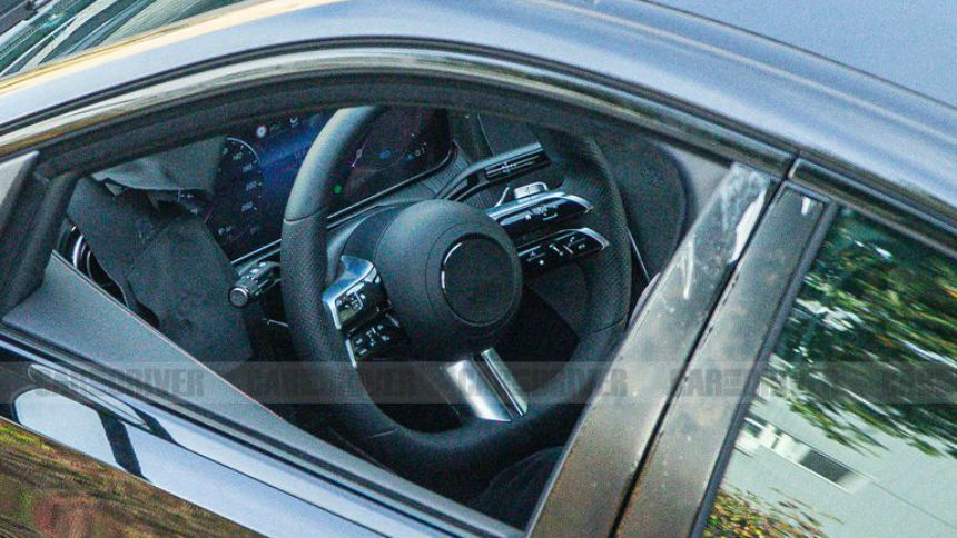 Новый Mercedes-Benz C-Class почти лишился камуфляжа