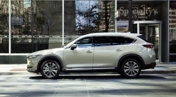 Обновленная Mazda CX-8: к чему готовиться CX-9?