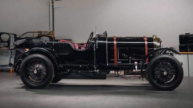 Bentley собрала довоенный автомобиль
