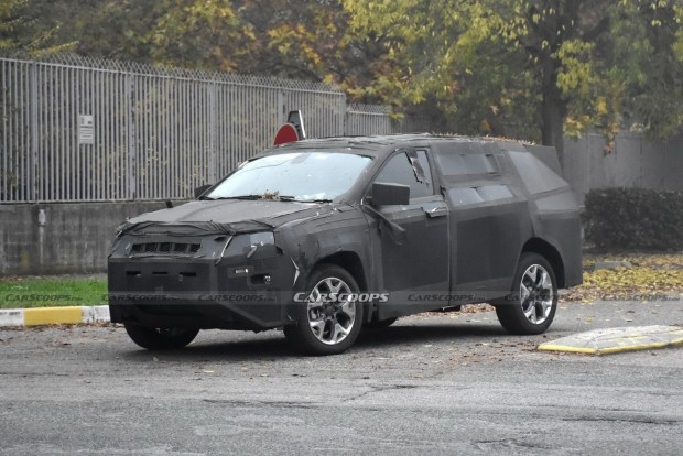 Jeep вывел на тесты что-то семиместное