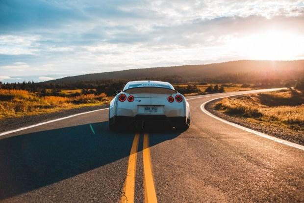 Задний автомонитор: баловство или находка?