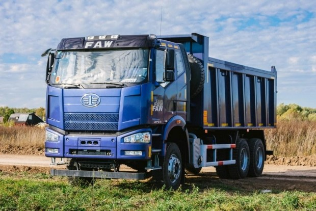 В сети АИС стартовала Новогодняя распродажа самосвалов FAW J6P, цены снижены до 200 000 грн!