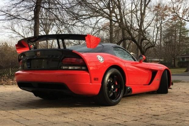 На продажу выставлен один из самых безумных автомобилей