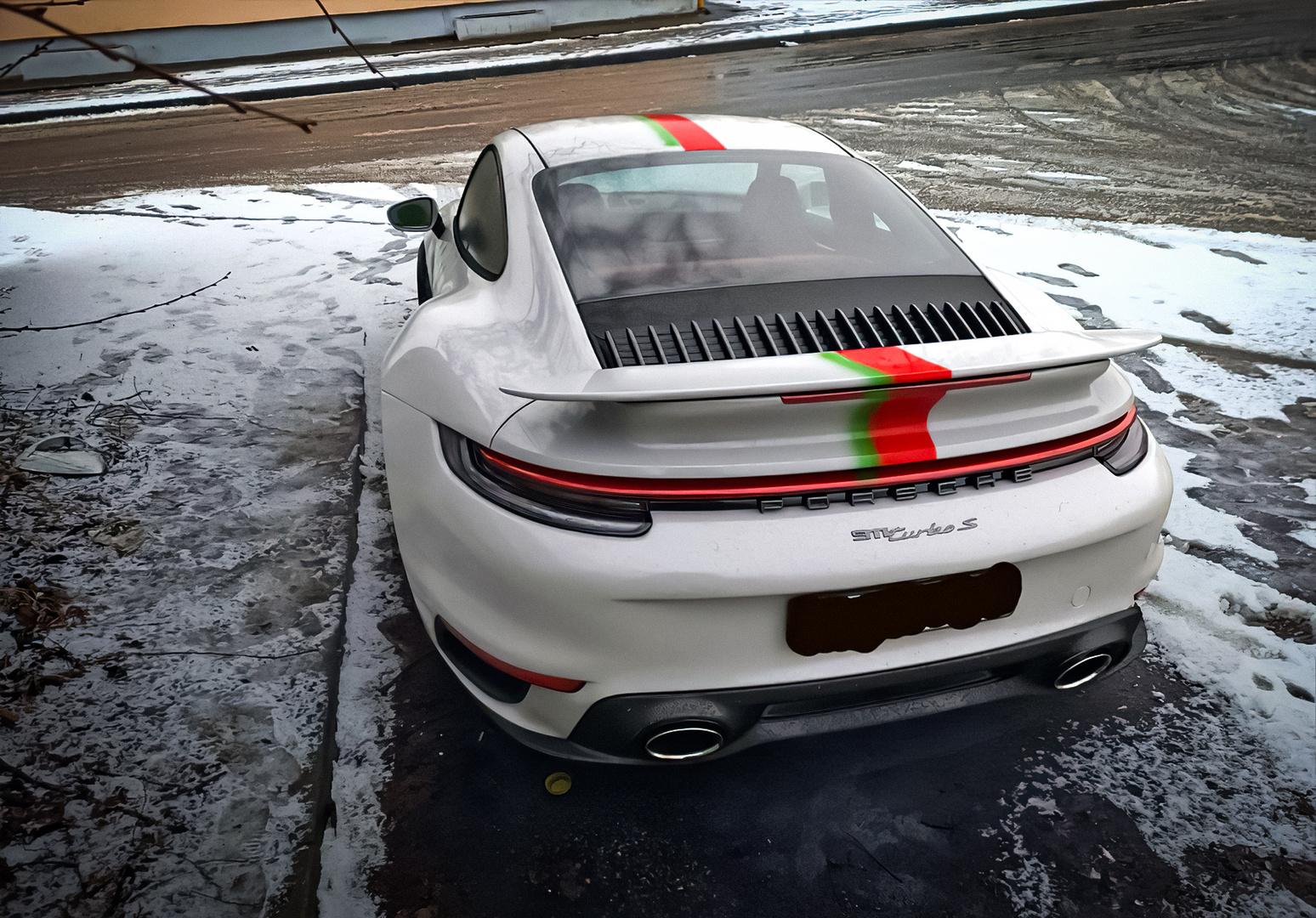 В Белоруссии разбили Porsche 911 за 20 млн рублей за наклейки