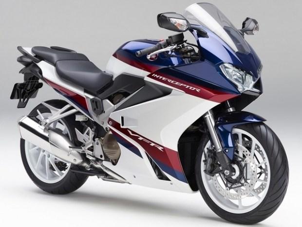 Новый полногабаритный байк Honda с V4