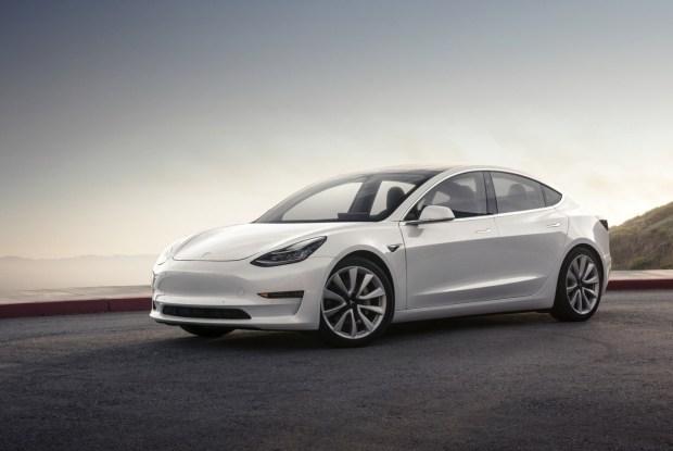 Электромобили укрепляют свои позиции
