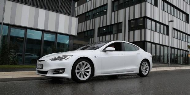 Tesla дороже Facebook: капитализация компании превысила 0 млрд