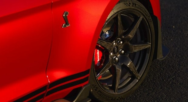 Ford работает над новым пакетом для Shelby GT500