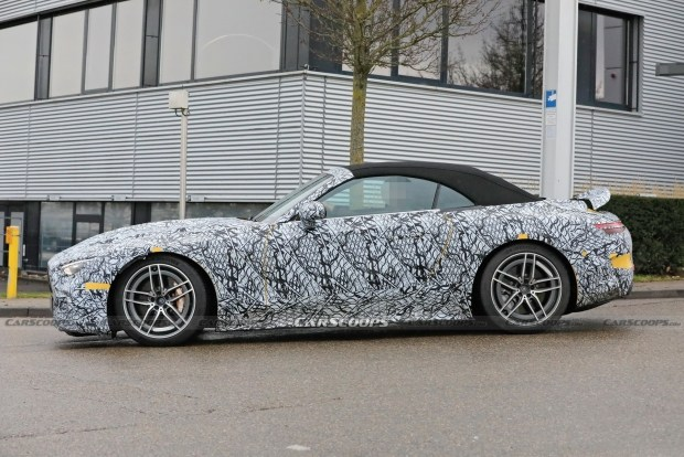 На тестах замечен новый SL AMG