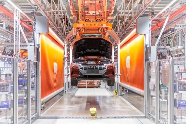Не желаете отдохнуть? Audi отправит 10 тысяч сотрудников в вынужденный отпуск