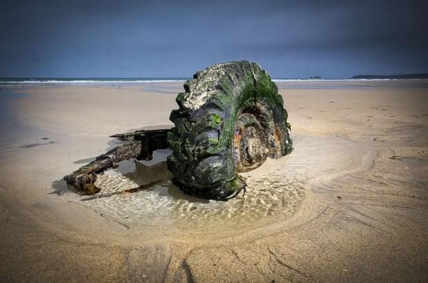 Затонувший 30 лет назад Defender всплыл на поверхность