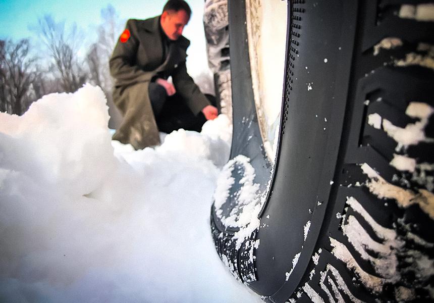 Как спасти автомобиль из снежной ловушки