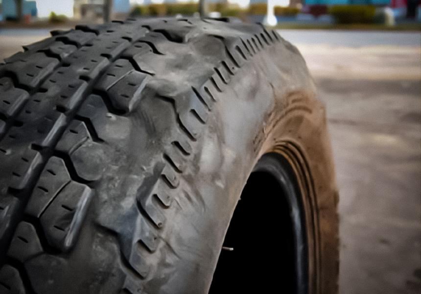 О каких неисправностях говорят повреждения шин?
