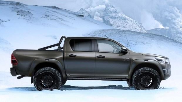 Toyota Hilux заехала на территорию Раптора
