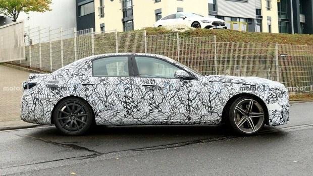 Новый Mercedes C63 лишится V8...