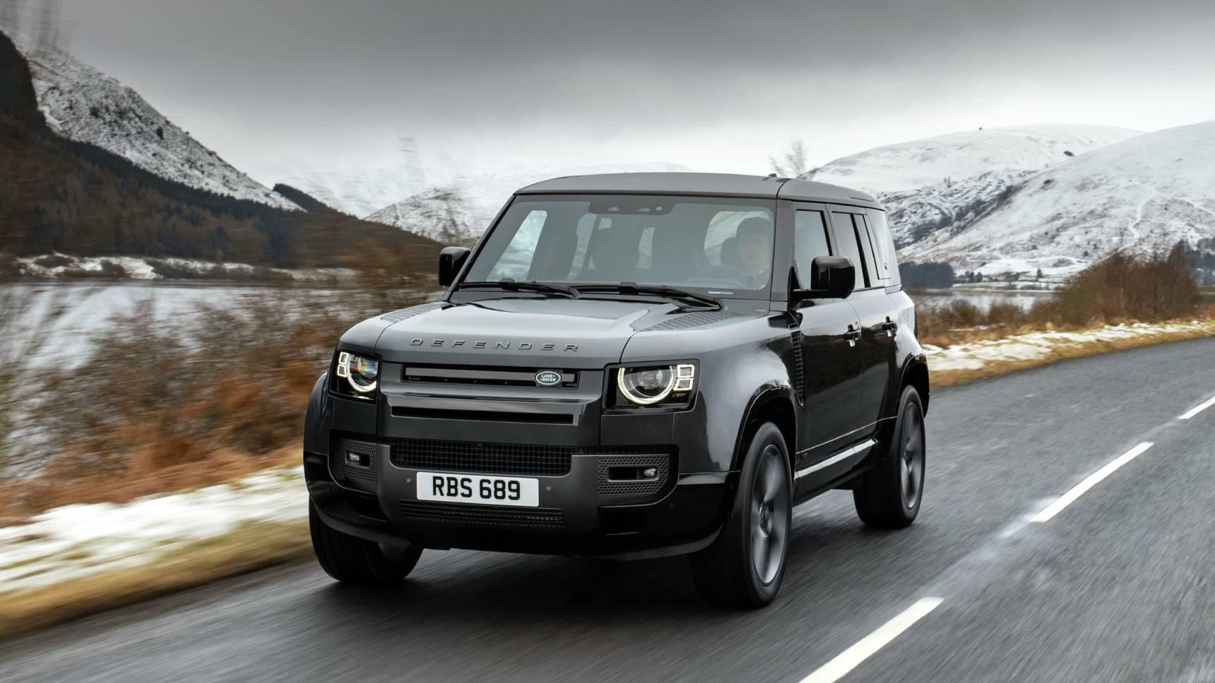 Land Rover представил Defender с двигателем V8. Он появится в России