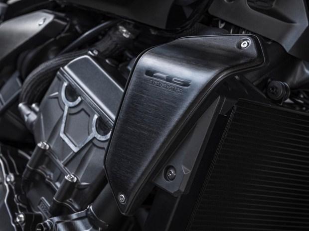 Honda представила новый CB1000R Black Edition