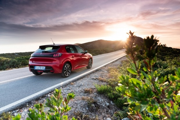 Оголошені ціни на новий PEUGEOT 208: компактний автомобіль з величезним почуттям стилю