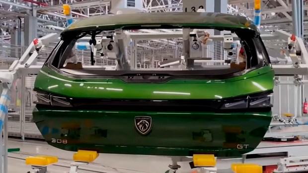 Новый Peugeot 308 встал на конвейер