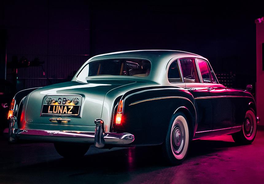 Классический Bentley превратился в электромобиль