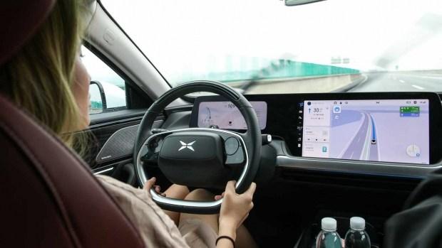 Китайский автопилот проехал почти 3 тыс. км