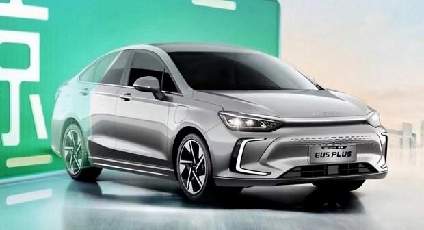 Электрический седан Beijing EU5 снова переродится
