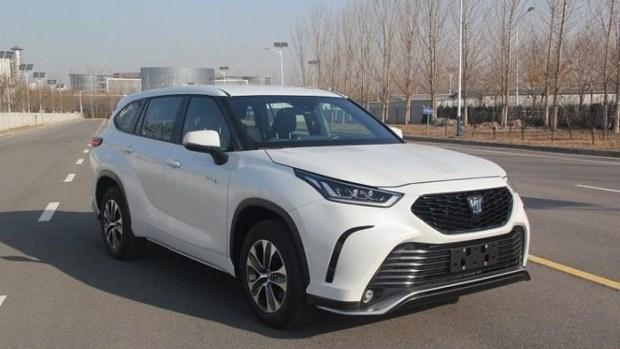 Toyota Crown превратится в Highlander, и наоборот...