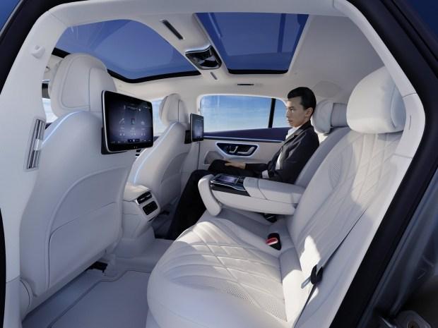 S-Class, подвинься: представлен новый флагман - Mercedes EQS